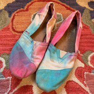 Rare - Pink & Turquoise Tie-Dyed Toms